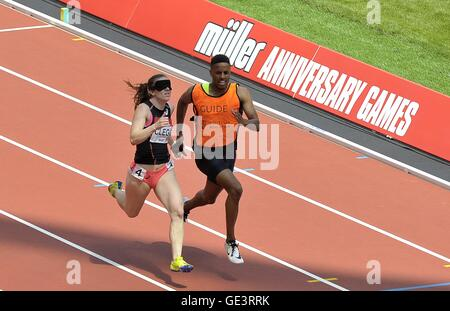 London, UK. 23rd July, 2016. Libby Clegg (GBR) and her guide Ryan Asquith in the womens 200m T11/12. Anniversary - Stock Photo