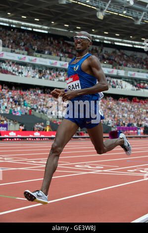 London, UK. 23rd July, 2016. Mo Farah winning the 5000m men race during Day Two of the Muller Anniversary Games - Stock Photo