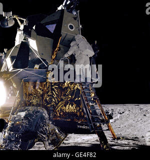 """Alan L. Bean, Lunar Module pilot for the Apollo 12 mission, starts down the ladder of the Lunar Module (LM) """"Intrepid"""" - Stock Photo"""
