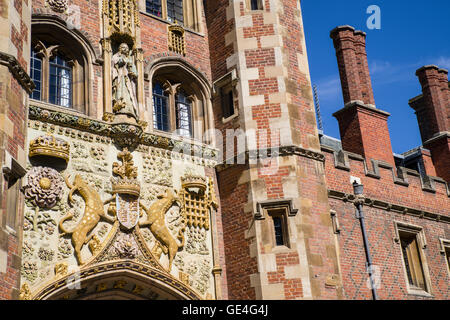The decorated facade of the gatehouse at St John's College in Cambridge, UK. - Stock Photo