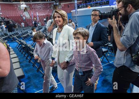 Philadelphia, Pennsylvania, USA. 24th July, 2016. House minority leader Nancy Pelosi walks through the Wells Fargo - Stock Photo