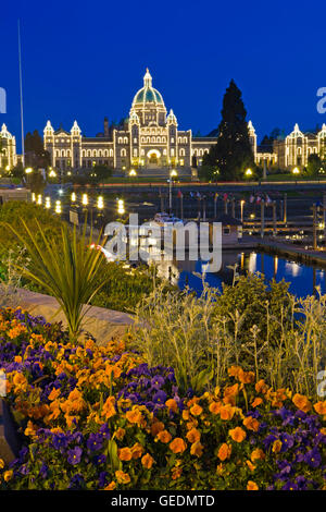 geography / travel, Canada, British Columbia, Victoria, Victoria's Inner Harbour illuminated at twilight with the BC parliament buildings in the background, Victoria, Vancouver Island, British Columbia,