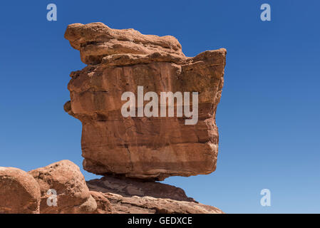 Balanced Rock, Garden of the Gods Park, Colorado Springs, Colorado, USA. - Stock Photo