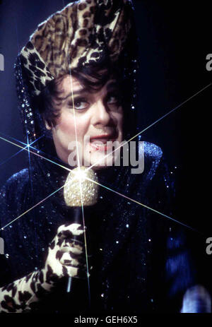 Nathan Lane   Albert (Nathan Lane) tritt ins Alberts Club als Drag-Queen 'Starina' auf. *** Local Caption *** 1996, - Stock Photo
