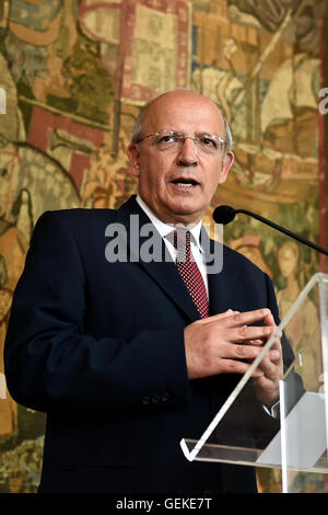 Lisbon, Portugal. 27th July, 2016. Portugal's Minister of Foreign Affairs August Santos Silva speaks during a press - Stock Photo