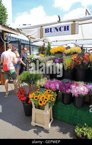 Trendy Saturday Netil market, in Hackney, east London, England, UK - Stock Photo