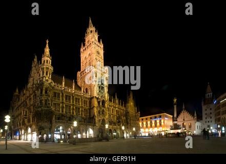geography / travel, Germany, Bavaria, Munich, Marienplatz (square), New Town Hall, built: 1867 - 1909 by Georg von - Stock Photo