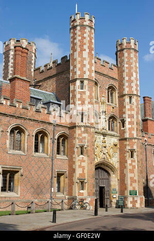 The Great Gate of St John's College in Cambridge, England. - Stock Photo
