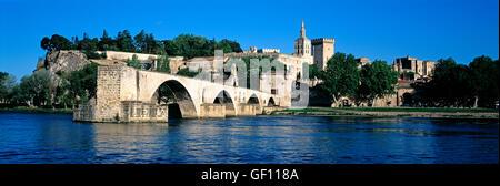 Pont d''Avignon Bridge and Popes Palace, Avignon, France' - Stock Photo