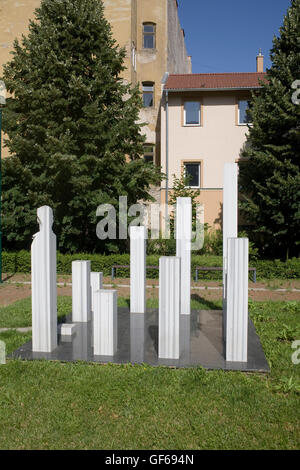 Monument to 1956 uprising and trees in Sara Salkahazi park - Stock Photo