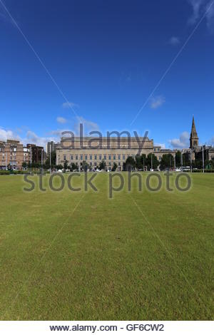 Caird Hall and St Pauls Cathedral from Slessor Gardens Dundee Scotland  July 2016 - Stock Photo