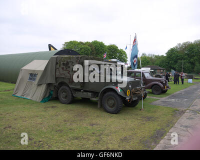 Vintage military vehicles on display at Thorpe Camp visitor center - Stock Photo
