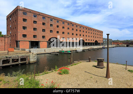 Titanic Hotel former Rum Warehouse, Stanley Dock, Liverpool, Merseyside, England, UK. - Stock Photo