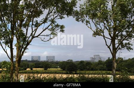 General view of Hinkley Point A Magnox nuclear power station (left) and Hinkley Point B power station (right) in - Stock Photo