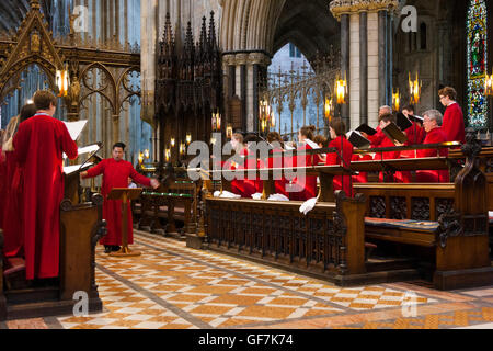 Visiting choir from USA singing / choristers sing / chorister sings / practises / choirs pracising at  Worcester - Stock Photo