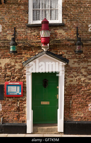 UK, England, Norfolk, King's Lynn, Ferry Street, Crown and Mitre pub, navigation lights above door - Stock Photo