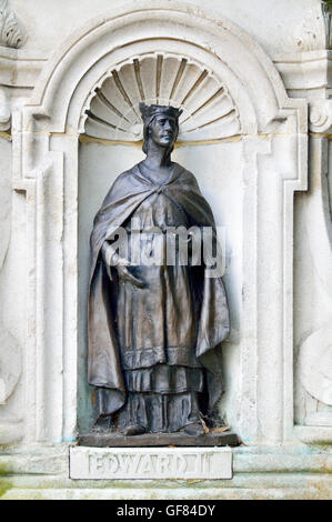 Canterbury, Kent, UK. Memorial to Christopher Marlow in front of the Marlow Theatre: James K Hackett as Edward II... - Stock Photo
