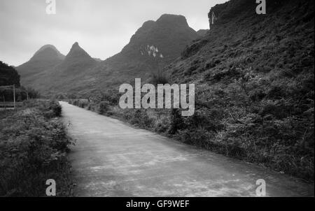 Road in Yangshuo (Guilin, China) - Stock Photo