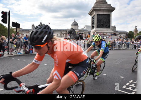Trafalgar Square, London, UK. 30th July, 2016. Women's race Prudential RideLondon Classique Prudential RideLondon - Stock Photo