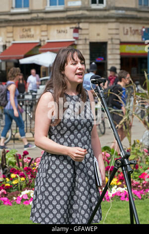 Bristol, UK. 30th July, 2016. Amelia Womack, deputy leader of the Green Party of England and Wales, addresses demonstrators - Stock Photo