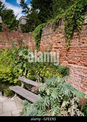 Caversham Court Gardens, Caversham, Reading, Berkshire, England, UK, GB. - Stock Photo