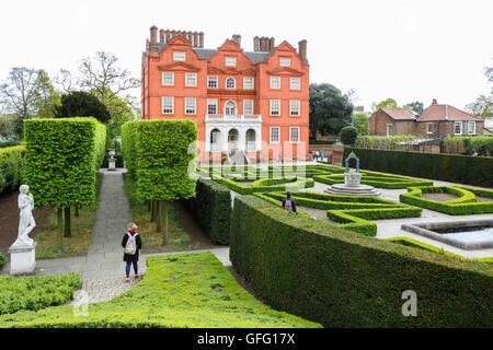 Kew Palace and Queens Garden at Kew Botanic Gardens, London, UK - Stock Photo