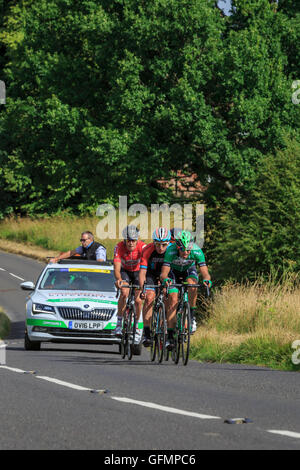 Ranmore Common, Surrey, UK, 31 July 2016. Prudential RideLondon-Surrey Classic 2016. The remnants of an early breakaway - Stock Photo