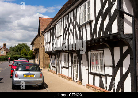 UK, England, Bedfordshire, Elstow, High Street, historic jettied, timber-framed houses - Stock Photo