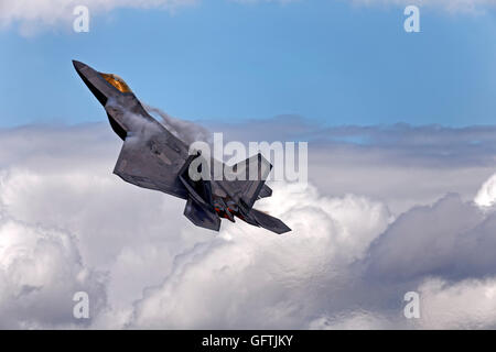 Lockheed Martin F-22A Raptor, 09-4191/FF (cn 645-4191) from the 1st Fighter Wing's F-22A Demonstration Team at the - Stock Photo