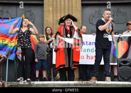 Marion Maxwell, Lord Mayor, with Andy Futter, Chair of Norwich Pride, speaking with signer, Norwich Pride 30 July - Stock Photo