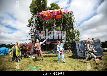 A performance by the Enfants Terribles theatre company at the 2016 Latitude festival - Stock Photo