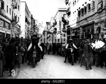 End of the 1948 war between Israel and Palestine: Procession in Tel Aviv 1948  Israel Washington, National archives - Stock Photo