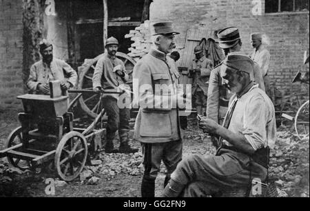 First World War. General Petain visits soldiers at a billet 14/10/1917 - Stock Photo