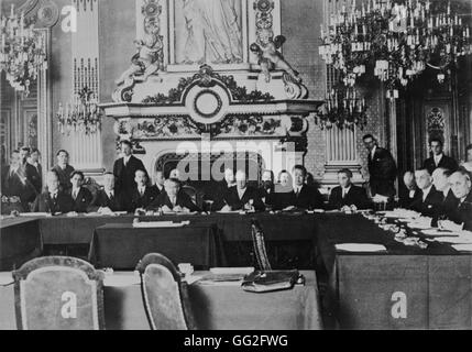 Interwar period. Aristide Briand chairing the meeting of the Organizing Committee of the European Union at the Quai - Stock Photo