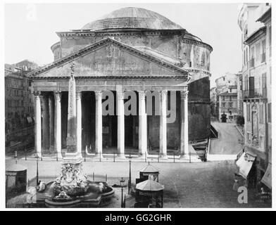 View over the Piazza della Rotonda in Rome: the Pantheon and the obelisk. Photograph taken in 1889 - Stock Photo