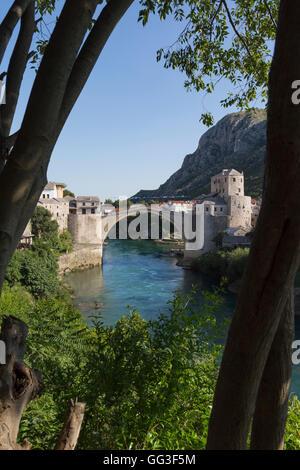 Mostar, Herzegovina-Neretva, Bosnia and Herzegovina.  The single-arch Stari Most, or Old Bridge, crossing the Neretva - Stock Photo