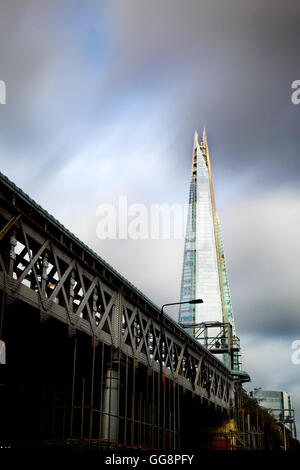 London, UK. 4th August, 2016. UK Weather: It was a blustery start for London this morning, but most of the UK will - Stock Photo