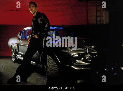 NUR NOCH 60 SEKUNDEN Gone in Sixty Seconds USA 2000 Dominic Sena Randall 'Memphis' Raines (NICOLAS CAGE) and his - Stock Photo