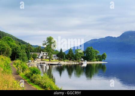 Lochside cottage, Loch Lomond, near Glasgow, Scotland, UK - Stock Photo