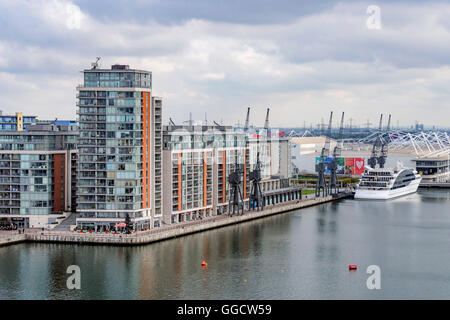 The Emirates Airline cable car in London provides great views of the docklands area of London. - Stock Photo
