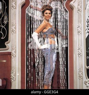 DARLING LILI / Darling Lili USA 1969 / Blake Edwards Nachtclubstar Suzette (GLORIA PAUL) Regie: Blake Edwards aka. - Stock Photo