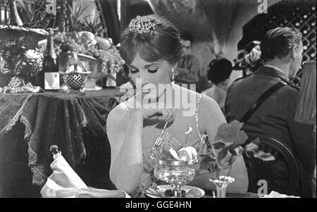 DARLING LILI / USA 1970 / Blake Edwards JULIE ANDREWS (Lili Smith) Regie: Blake Edwards - Stock Photo