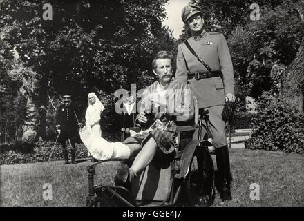 DARLING LILI / USA 1970 / Blake Edwards ROCK HUDSON (Major William Larrabee), in einer Filmszene aus 'Darling Lilli'. - Stock Photo