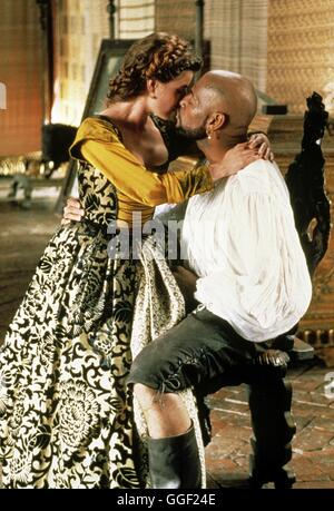 OTHELLO / Othello GB 1995 / Oliver Parker IRENE JACOB und LAURENCE FISHBURNE in 'Othello', 1995. Regie: Oliver Parker - Stock Photo
