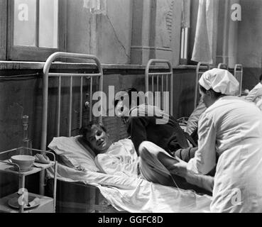 TAGEBUCH EINES SÜNDERS (GEHEIMES TAGEBUCH) / Cronaca familiare Italien 1962 / Valerio Zurlini Szene im Hospital: - Stock Photo