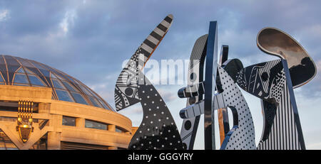 Detroit, Michigan - A sculpture by Charles McGee outside the Charles H. Wright Museum of African American History. - Stock Photo