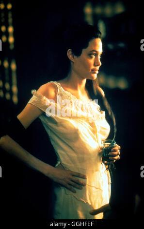 ORIGINAL SIN / USA/F 2001 / Michael Cristofer Szene mit Julia Russell (ANGELINA JOLIE) Regie: Michael Cristofer - Stock Photo