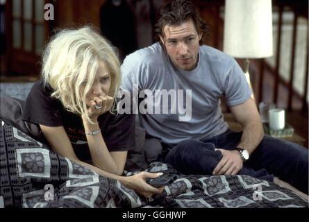 LEBEN ODER SO ÄHNLICH / Life or something like it USA 2003 / Stephen Herek Lanie (ANGELINA JOLIE), Pete (EDWARD - Stock Photo
