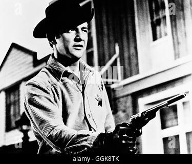 DER SHERIFF SCHIEßT ZURÜCK / Gunfight in Abilene USA 1966 / William Hale BOBBY DARIN (Gal Wayne) Regie: William - Stock Photo