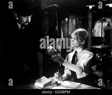 DOKTOR SCHIWAGO / Doctor Zhivago USA 1965 / David Lean ROD STEIGER (Victor Kamarovsky) und JULIE CHRISTIE (Lara) Regie: David Lean aka. Doctor Zhivago Stock Photo